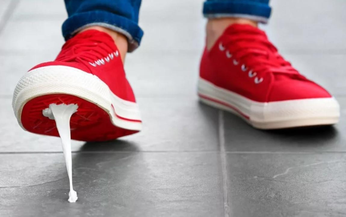 жвачка на обуви_1