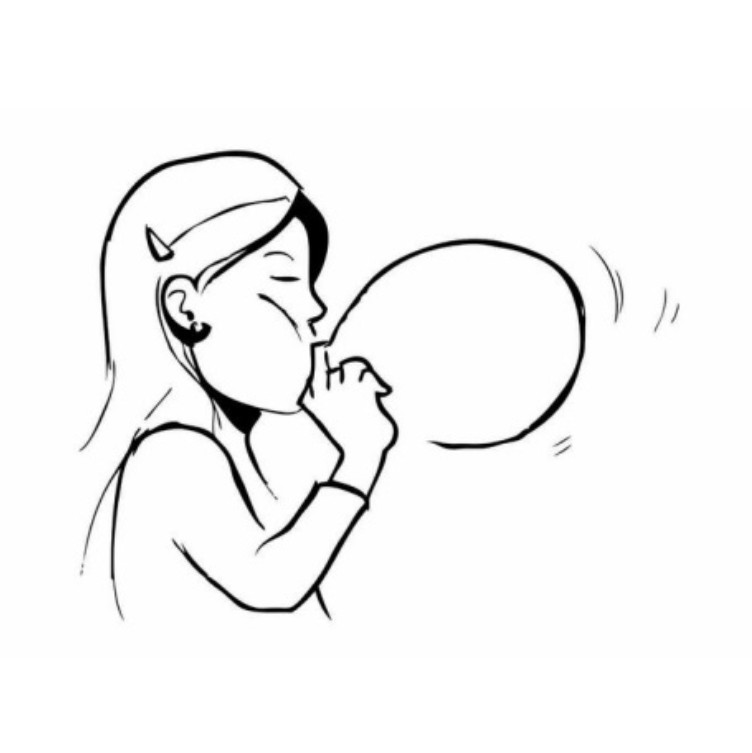 Девочка надувает пузырь